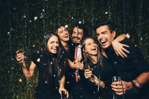 Can teeth whitening in Sugar Land help me look good on New Year's Eve?